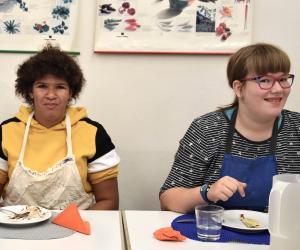 Neu in der Klasse: Ashley (links) und Jasmin. Beide wohnen in Gesingen.