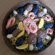 Aus Salzteig und Pappmaschee: Die fertige Paella - zum Reinbeißen
